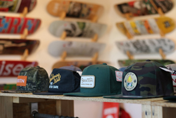 AXIS skate & snow boardshop